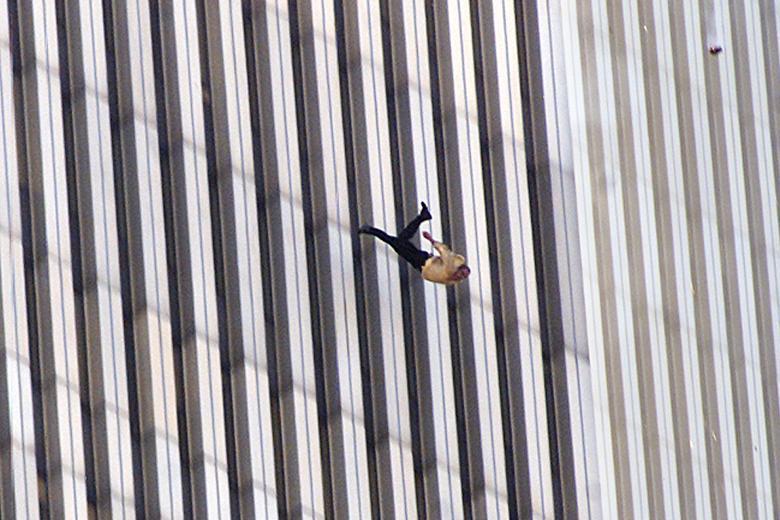 Risultati immagini per L'Uomo che cade